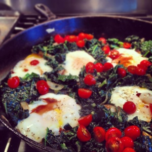 kale skillet with egg, onion, and tomato ~vegetarian, gluten free~