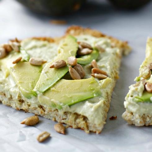 Rosemary Cauliflower Flatbread with Hummus and Avocados ~gluten free/vegan~